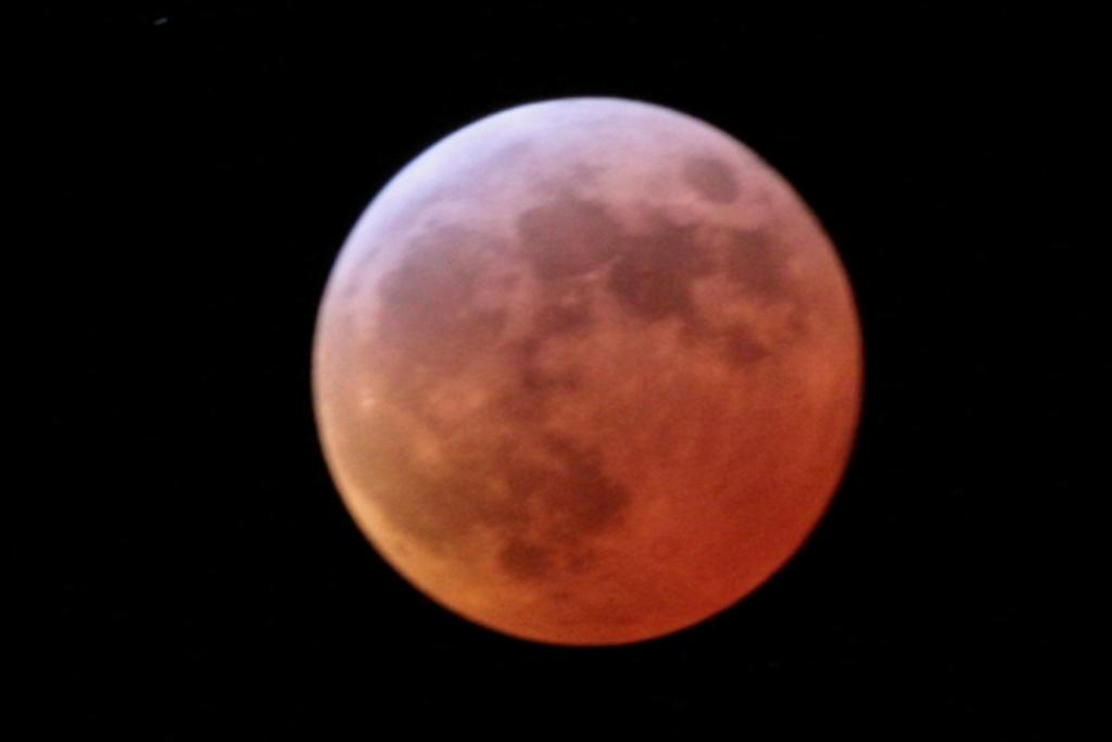 2007-03-03_eclipse-b_DSLR_JMHM